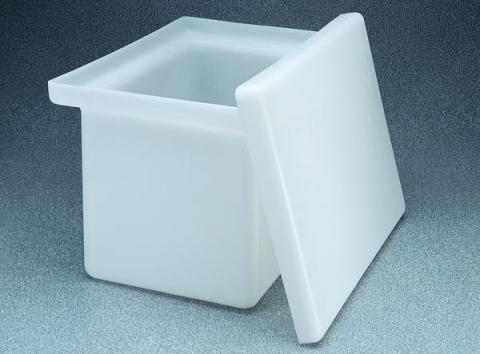 Photo of Nalgene 14200 Rectangular Tank with Cover-Polypropylene